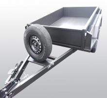 images/Box-Trailer/8x5-with-Box-Trailers/8x5withstandingtyreandbackdoortiedown3.jpg